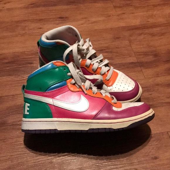 le scarpe nike alte poshmark retrò multicolore
